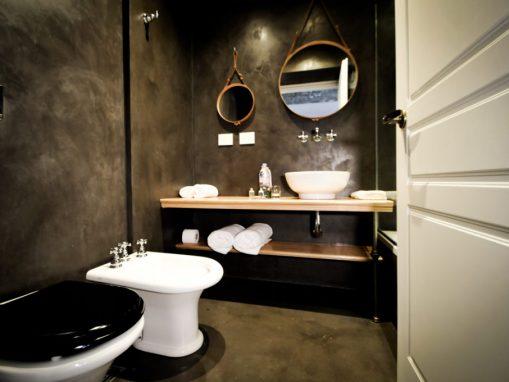 10KNS-TWINS-Bathroom-1024x680